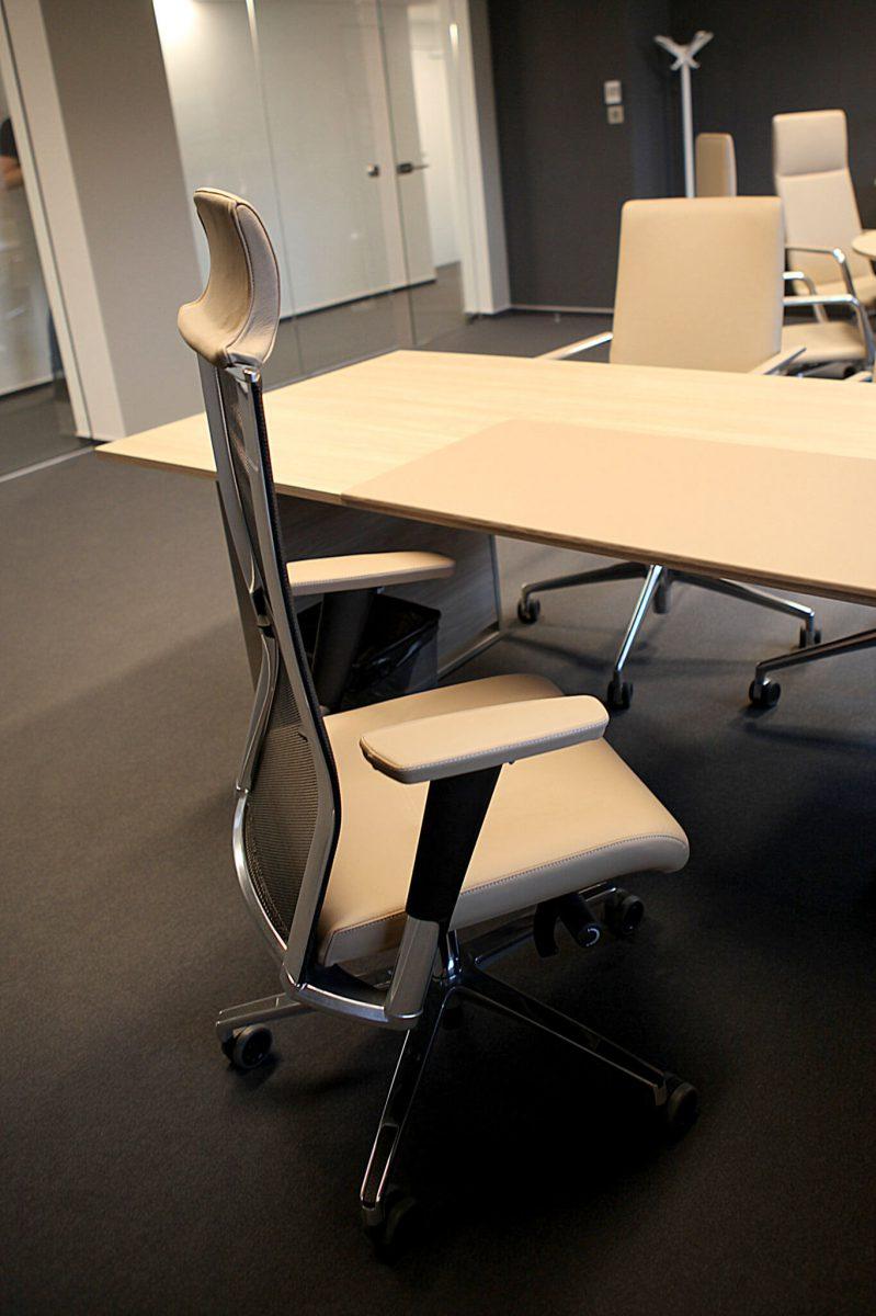 Kancelárske interiéry Ekoma - stolička
