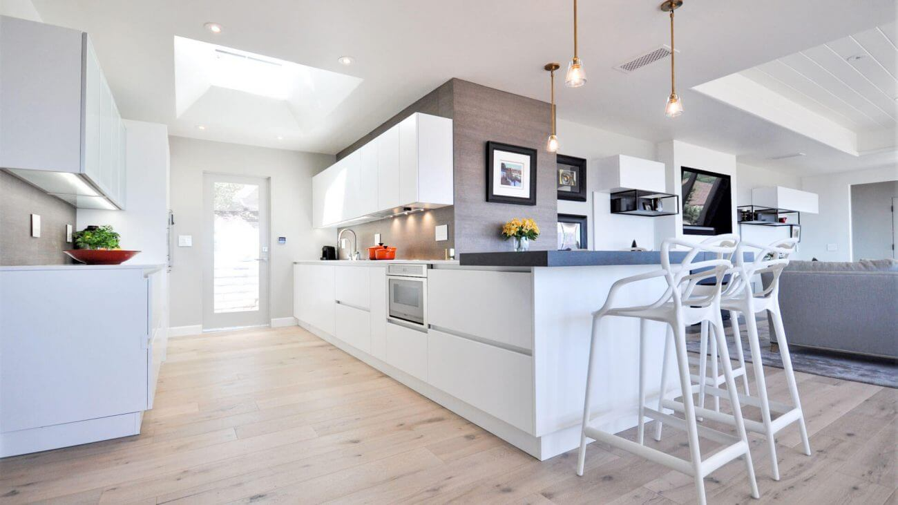 Obývačka s kuchyňou - Ako tráviť viac času s rodinou? Vyskúšajte spojiť obývačku s kuchyňou. Ekoma.sk