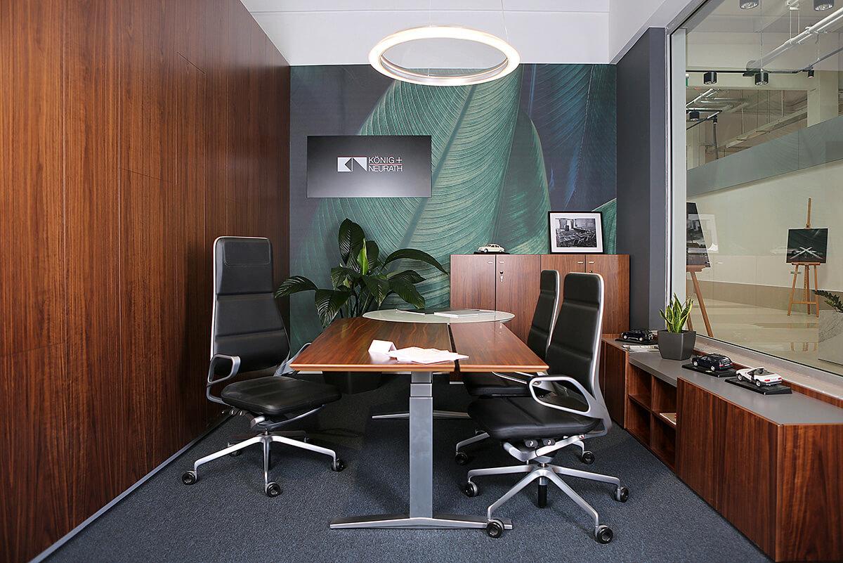 Showroom bytového a kancelárskeho nábytku