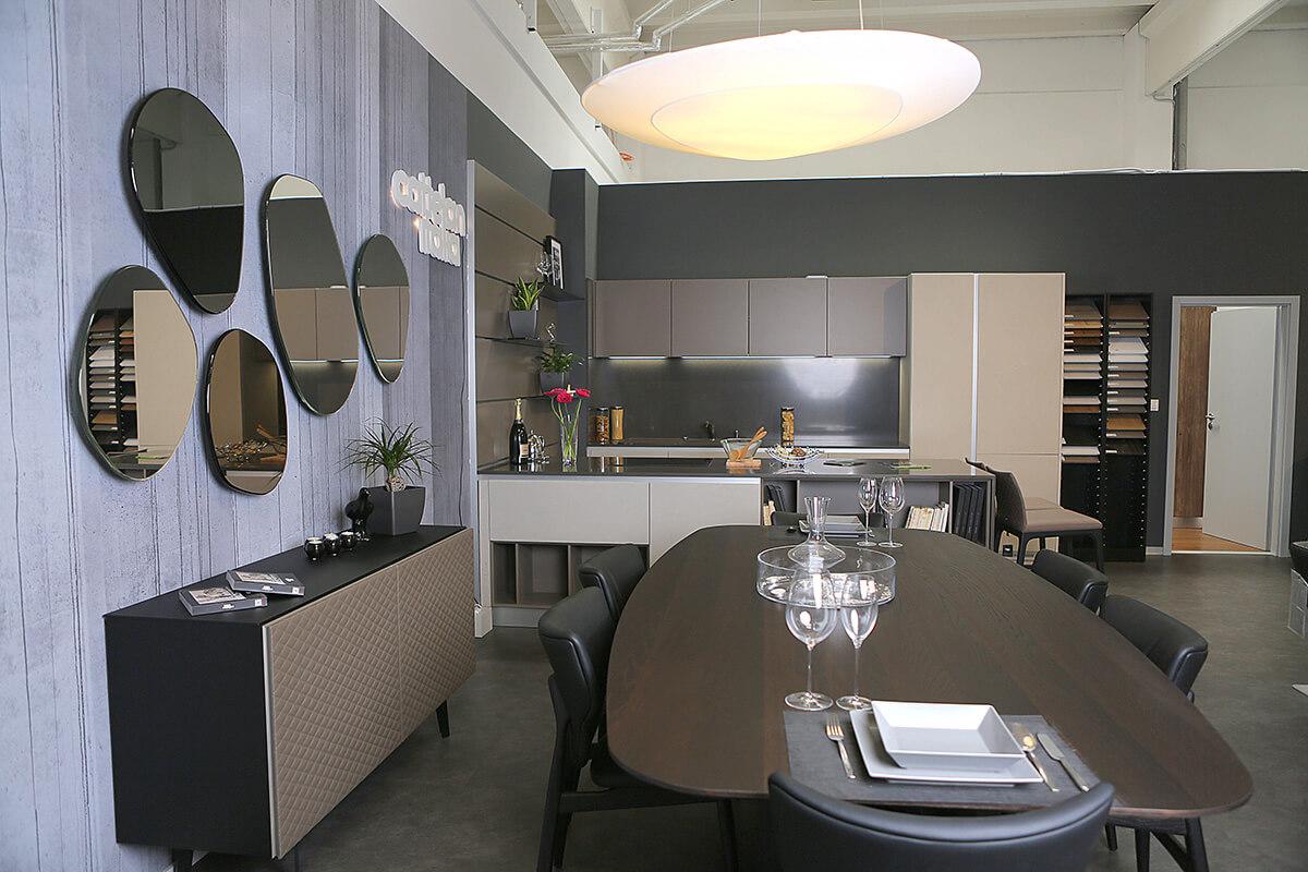Showroom bytového a kancelárskeho nábytku v New Living Center - Ekoma