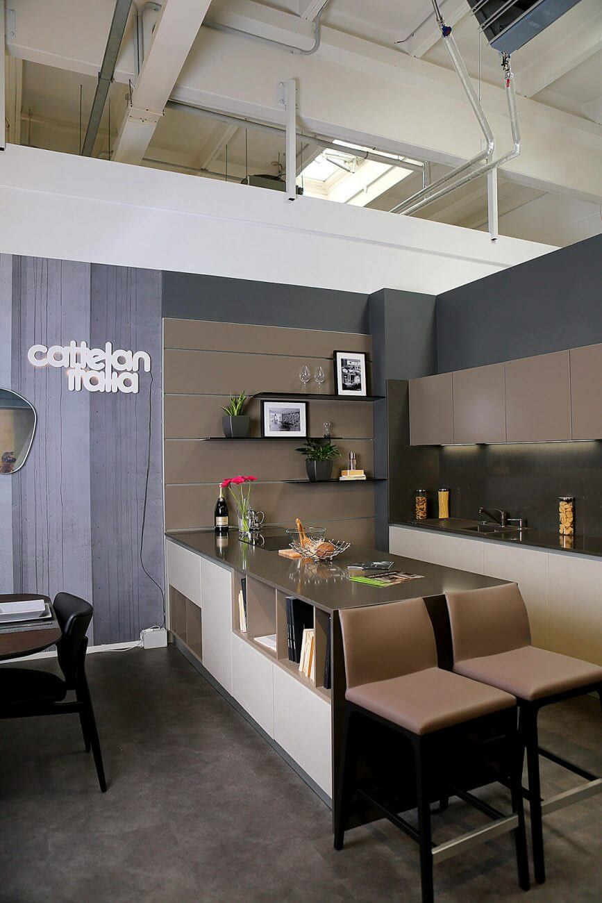 Ekoma -showroom bytového a kancelárskeho nábytku v New Living Center