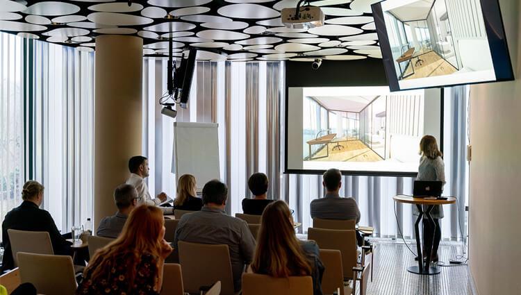 Študenti architektúry navrhovali interiéry v EUROVEA TOWER
