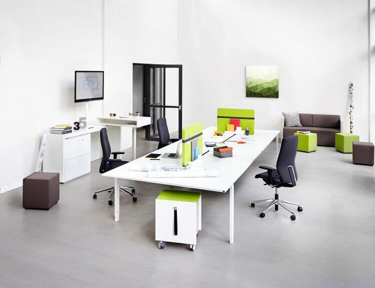 Klasické kancelárske stoly